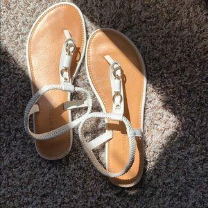Gold Toe Sandals 🦋